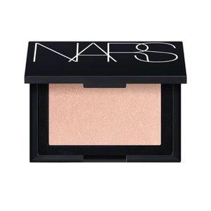 Nars-Capri highlighting powder